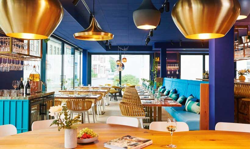 رنگ آبی برای رستوران