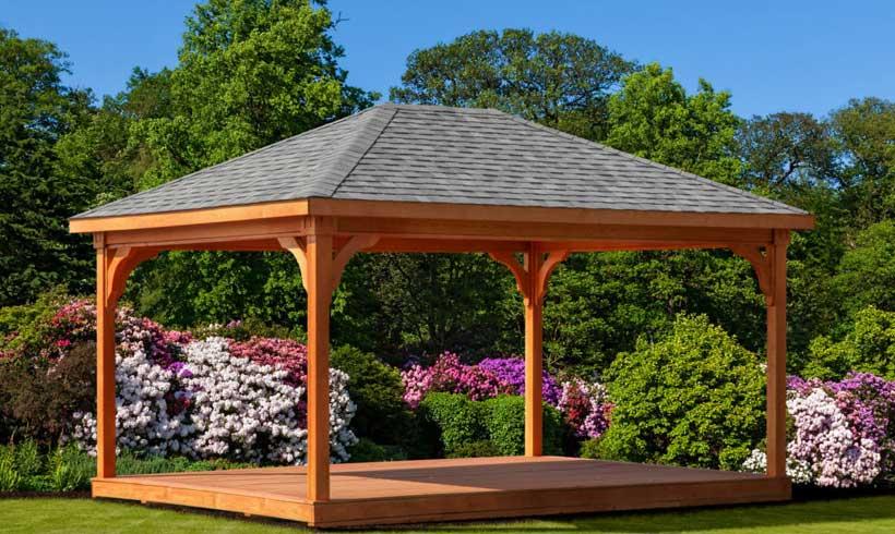 آلاچیق چوبی برای حیاط مسکونی