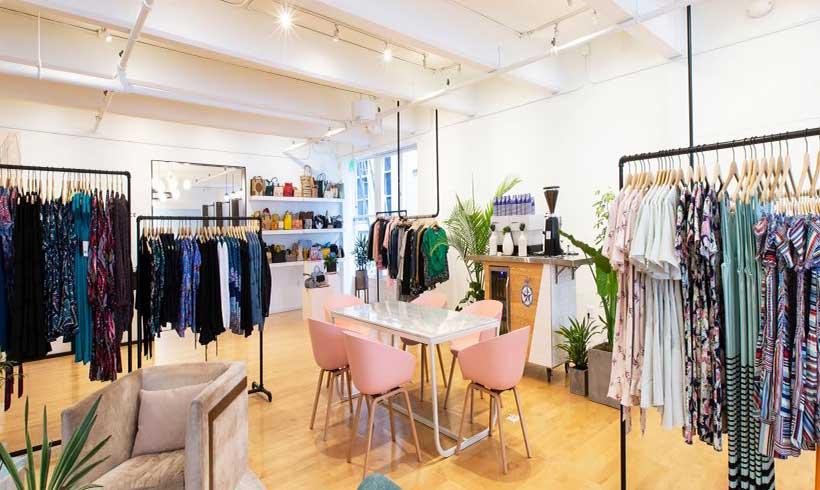 دکوراسیون مغازه پوشاک زنانه